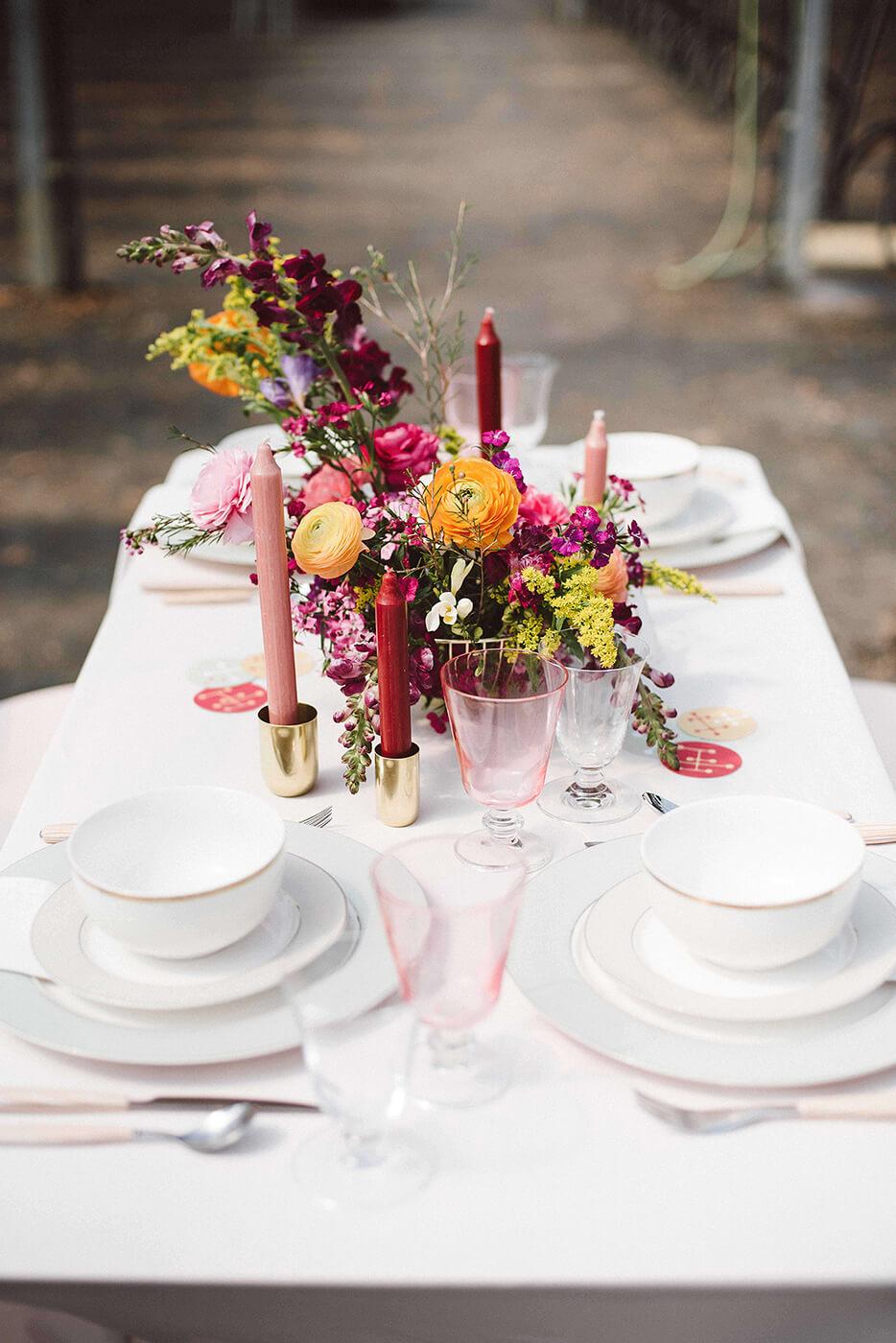 roma-organizacao-eventos-editorial-mid-century-modern-wedding-in-a-strawberry-field-05