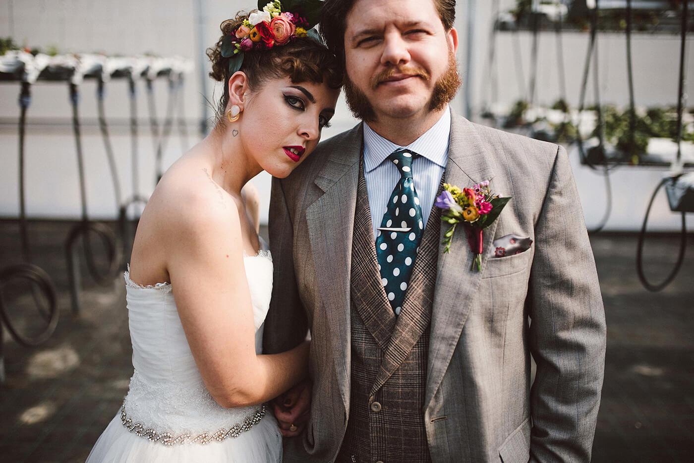 roma-organizacao-eventos-editorial-mid-century-modern-wedding-in-a-strawberry-field-13