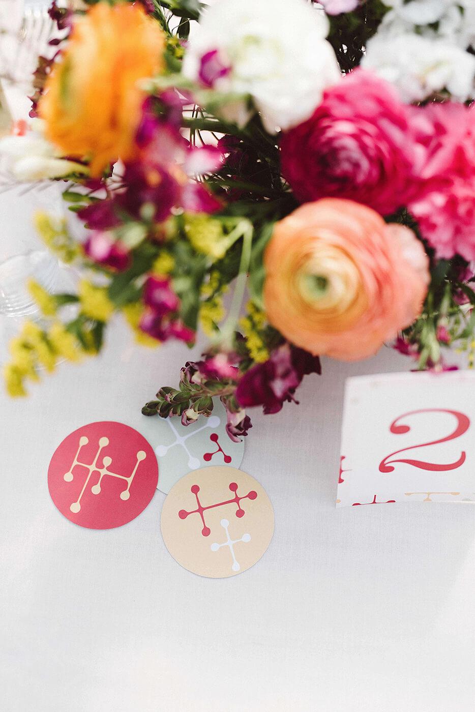 roma-organizacao-eventos-editorial-mid-century-modern-wedding-in-a-strawberry-field-20