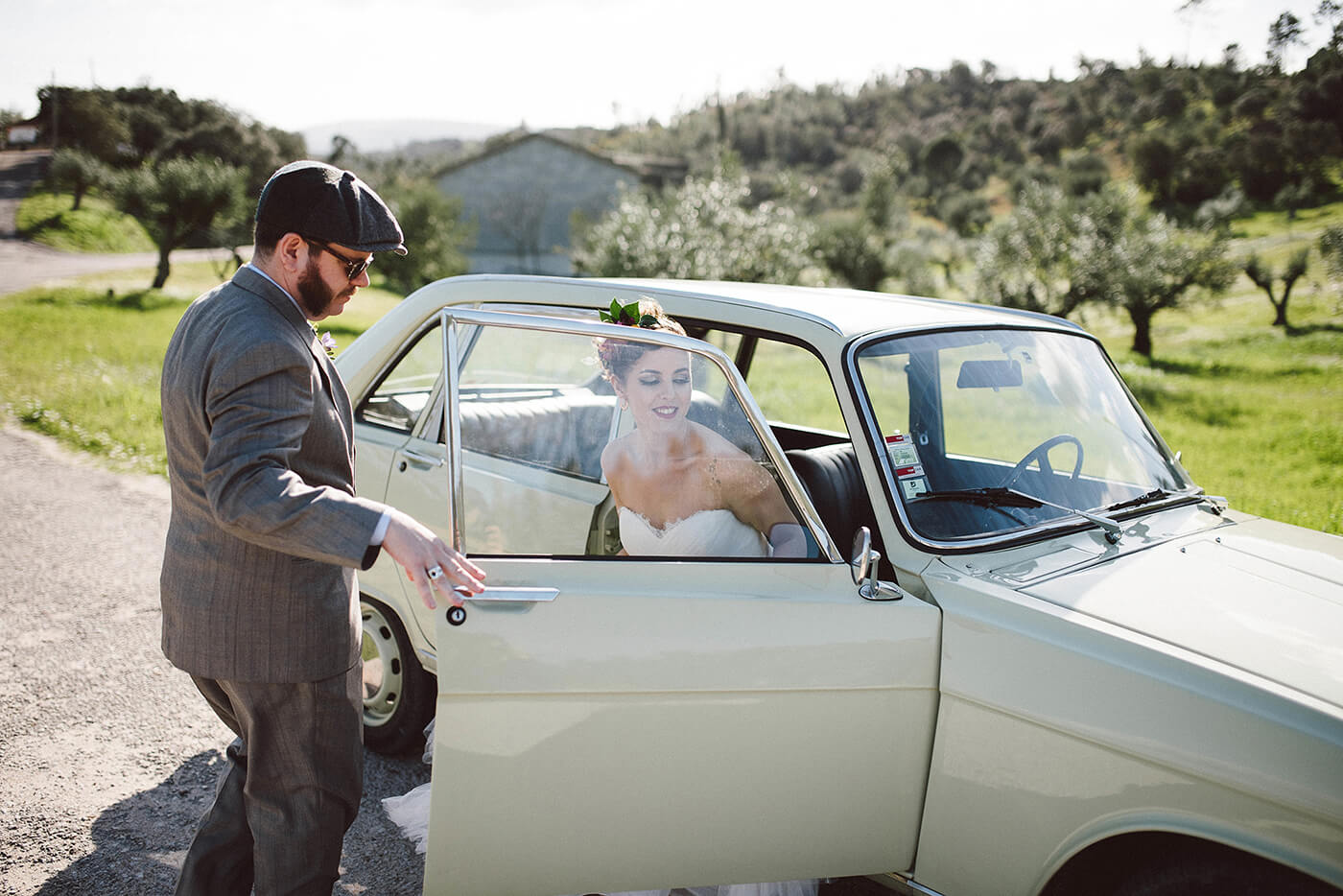 roma-organizacao-eventos-editorial-mid-century-modern-wedding-in-a-strawberry-field-31
