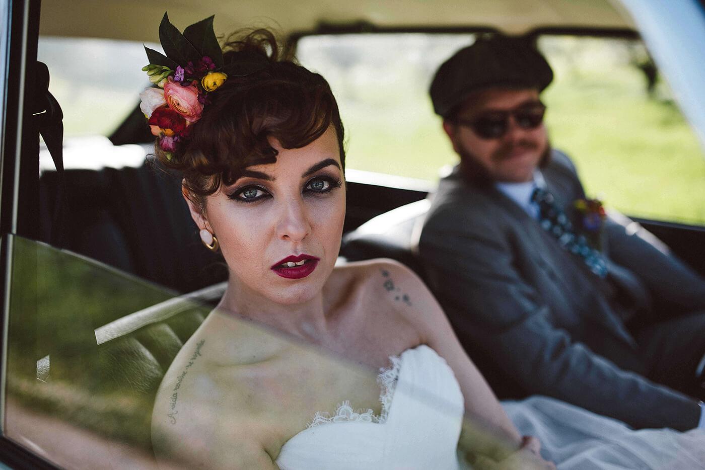 roma-organizacao-eventos-editorial-mid-century-modern-wedding-in-a-strawberry-field-33